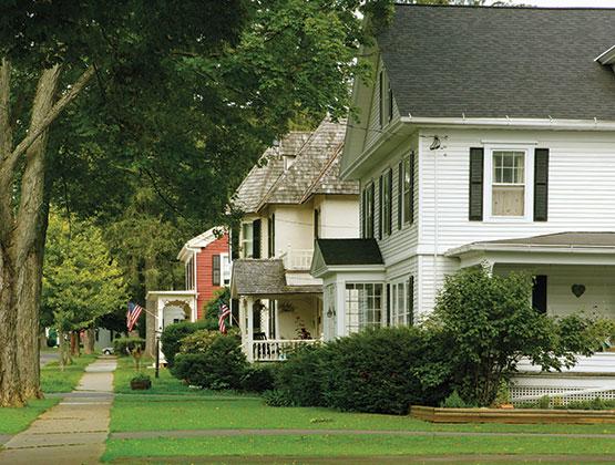 row of homes in neighborhood Avoiding-Foreclosure